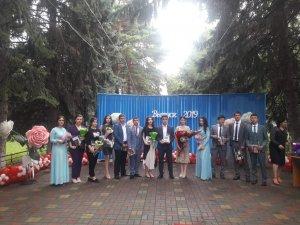 Торжественное мероприятие, посвященное вручению медалей и аттестатов особого образца выпускникам общеобразовательных учреждений Усть-Джегутинского муниципального района